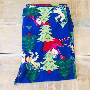 bc1d19b91eb108 Women Lularoe Reindeer Leggings on Poshmark